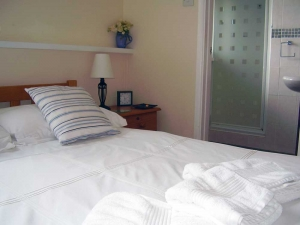 Double en suite bedroom at Panorama Guest House, Newlyn (ground floor)